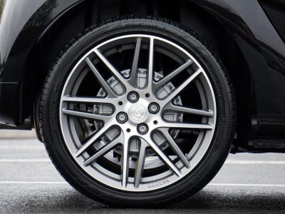 Change Your Car Tyre: How-To Guide